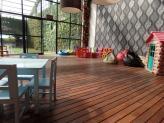 Deck, entre o jardim interior e a sala Pedro e Inês - Encantos de Coimbra