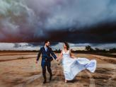 Casamento com chuva, fotos criativas com clima de chuva - The Foreigners Studio