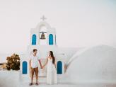 Sessão dos namorados na Grécia, sessão de casamento em Santorini. - The Foreigners Studio