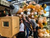 Photobooth com cenários de balões - Izi Fun