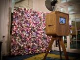 Photobooth com parede floral - Izi Fun