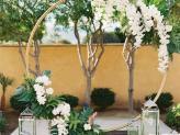 Arco com flores suspensas - Izi Fun