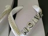 Chinelos personalizados para a noiva brilhar ainda mais - Vânia Pascoal