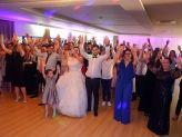 Dos 8 aos 80, tudo participa nas coreografias - A. Veiga Casamentos Mágicos