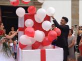 Caixa presente de balões, saída da igreja/chegada a quinta - A. Veiga Casamentos Mágicos