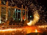 Roda humana de fogo - A. Veiga Casamentos Mágicos