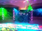 DJ com robotica de luz - Emilianos