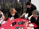 magia de perto às mesas - Emilianos