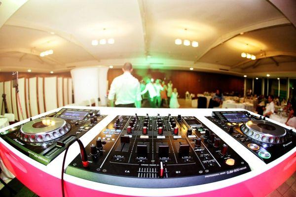 Imagem de Apresentação - DJVOX Wedding