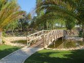 Pequena e charmosa ponte a atravessar lago artificial na Quinta das Acácias - Quinta das Acácias