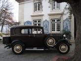 Ford B V8 de 1932 (bordeaux, fechado) - Genésio Domingos Laranjo