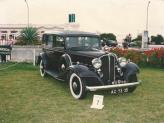 Buick de 1933 (bege escuro, fechado) - Genésio Domingos Laranjo