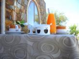 Aproveite a paz, que Vimioso tem para lhe oferecer! Desfrute de um pequeno almoço na nossa explanada! - Hotel Rural Senhora das Pereiras