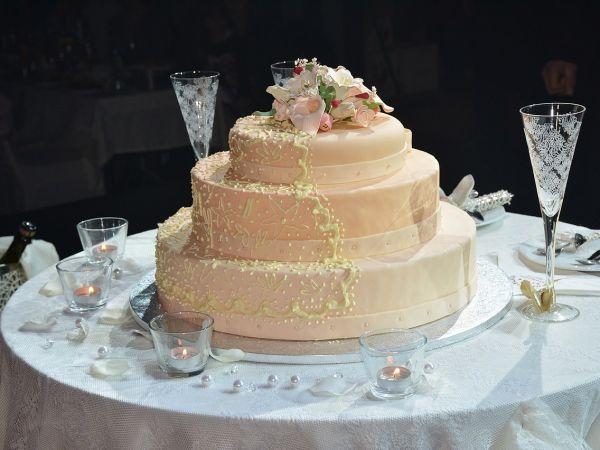 Oferta bolo noiva e espumante